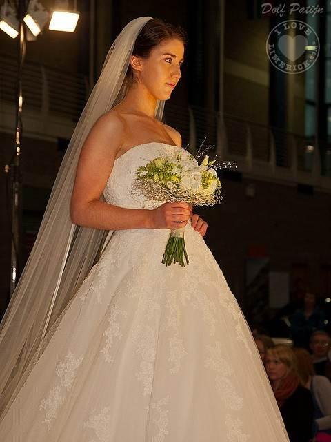 mid-west-bridal-exhibition-limerick-2012-111